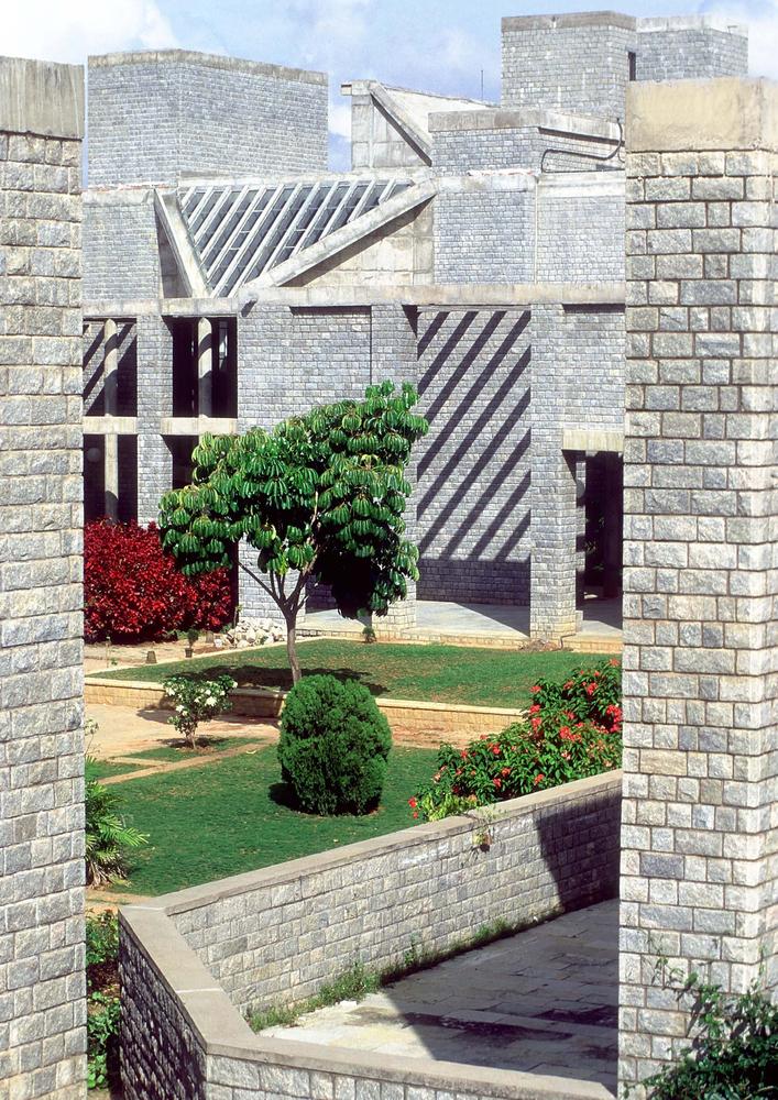 Indian Institute of Managment 1985 موسسهی مدیریت هند
